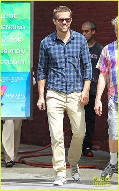 Ryan Reynolds, Street Style