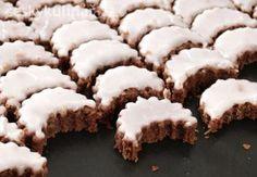 CITRONOVÉ MĚSÍČKY Christmas Sweets, Christmas Baking, Christmas Cookies, Churros, Macaroons, Baking Recipes, Cookie Recipes, Czech Recipes, Oreo Cupcakes