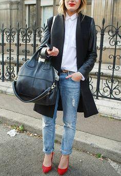 Le look du mois de janvier ! Jean boyfriend, escarpins rouges, chemise blanche