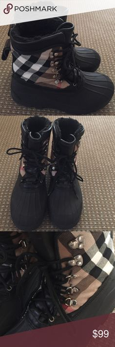 Burberry snow boots Short Burberry snow boots Burberry Shoes Winter & Rain Boots