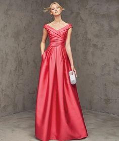 Red/pink dress