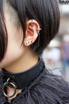 Style Tips: Multiple Ear Piercings Cool Ear Piercings, Multiple Ear Piercings, Body Piercings, Piercing Tattoo, Tongue Piercings, Cartilage Piercings, Rook Piercing, Girl Piercings, Mens Piercings
