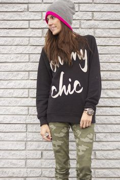 oh my chic sweatshirt and camo pants. I have this exact outfit. Gypsy Cowgirl Style, Gypsy Style, My Style, Camo Skinny Jeans, Camo Pants, Comfy Casual, Casual Chic, Spring Summer Fashion, Autumn Fashion