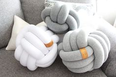 GRANDE lumière gris Knot Pillow noeud coussin coussin