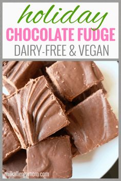 Perfect for Christmas! Just 6 ingredients. Video tips at Milk Allergy Mom. Delicious dairy-free fudge, just 6 ingredients, & super easy. Pretty much fail-proof, and I'll even save your arm from breaking. See our fudge Dairy Free Fudge, Dairy Free Snacks, Dairy Free Eggs, Dairy Free Chocolate, Chocolate Recipes, Vegan Candies, Vegan Treats, Vegan Desserts, Vegan Snacks