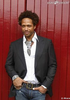Gary Dourdan...I have a crush on him...reminds me of my first boyfriend, Larry Edward!!!