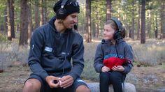 Britské dievčatko sa zamilovalo do Sagana. V kalifornskom lese s ním natočilo roztomilý rozhovor