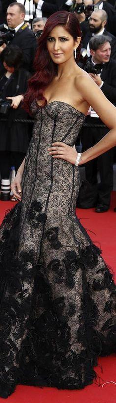 Katrina Kaif - Cannes Bollywood Saree, Bollywood Actress, Katrina Pic, Beautiful Outfits, Cool Outfits, Punjabi Girls, Bollywood Celebrities, Red Carpet Dresses, Celebrity Dresses