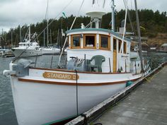 A simple conversion, adding a trunk cabin on the aft work deck. Sport Fishing, Fishing Boats, Tug Jobs, Trawler Boats, Fishing Vessel, Old Boats, Power Boats, Mans World, Sailboat