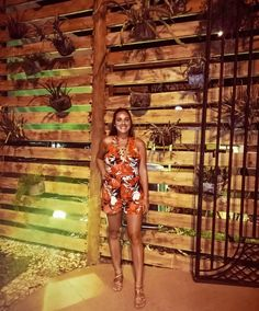 """Nᴀᴛᴀʟɪᴀ M. Vɪsᴄᴀʀʀᴀ 💋 en Instagram: """"Última noche en Brasil 🇧🇷  Este fue el look que elegí para salir a cenar...  A las piezas del conjunto ya las he combinado por separado,…"""" Estilo Floral, Instagram, Brazil, Going Out, Night"""