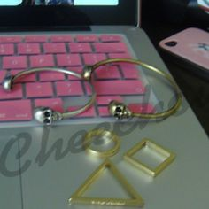 www.facebook.com/cheeeechow - Clothes and accessories #ClothesAndAccessories #Apparel #Outfit #AboutMe #GetWeHeartPics