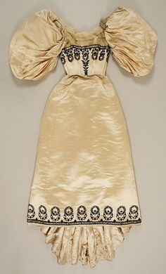 Dress House of Worth (French, Date: Culture: French Medium: [no medium available] Dimensions: [no dimensions available] Credit Line: Gift of V. 1890s Fashion, Edwardian Fashion, Vintage Fashion, Vintage Vogue, Vintage Beauty, Charles Frederick Worth, Vintage Gowns, Vintage Outfits, House Of Worth