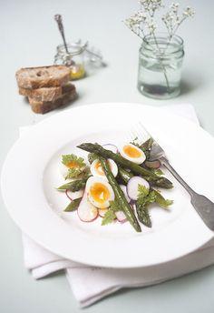 Warm asparagus & soft boiled quails egg salad