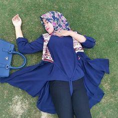 "jilboob pilihan di Instagram ""Malam kaka' bobok yuk.. . . . #jilboob #sange #imut #siapolah #mapan #gemesin"" Arab Girls Hijab, Muslim Girls, Beautiful Muslim Women, Beautiful Hijab, Moslem, Girl's Day Yura, Hijab Stile, Muslim Women Fashion, Hijabi Girl"