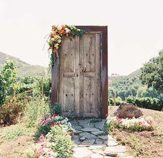 Idées de mariage pour portes en tant que toile de fond la photographie-mariage avec des éléments rustiques