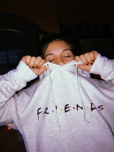 Fall Outfits, Cute Outfits, Fashion Outfits, Womens Fashion, Friends Tv Show, Friends Moments, Friends Merchandise, Friend Outfits, Photos