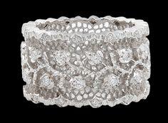 BUCCELLATI Diamond Ring.