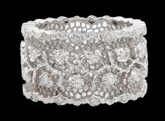 BUCCELLATI Diamond Ring--this is the most gorgeous, beautiful, frilly, girly ring....I LOVE IT!!!