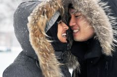 Wintry engagement photoshoot: cuddling in the snow! #wedding #photographer #inspiration #snow #love
