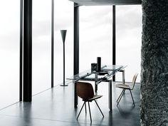 STILT Mesa extensible by Desalto diseño Decoma Design