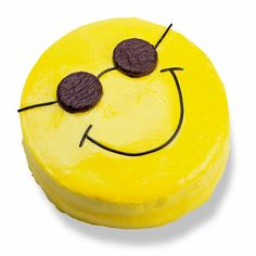 Summer recipes for kids - smiley face with sunglasses cake