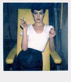 Merveilleuse Sean Young. Polaroid par Helmut Newton .Blade Runner. Incontestablement un des plus grands films de l'histoire du cinéma d'un point de vue photographie et plastique.
