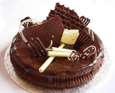 Chocolate Buy Birthday Cake, Order Birthday Cake Online, Birthday Cake Delivery, Christening, Caramel Apples, Stuff To Buy, Personalized Gifts, Customized Gifts, Caramel Apple