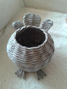 Fotopostup na sliepku 7 Wicker Baskets, Decorative Bowls, Weaving, Diy Crafts, Newspaper, Projects, Eggs, Magazine, Craft