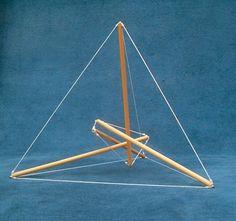 Risultati immagini per tetraedro tensegrità