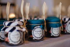 Cupcake in a jar wedding favours - Elle