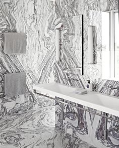 Who said there was ever too much of a good thing? // Statement Bathrooms