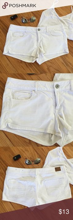 American Eagle White Denim Stretch Shorts Size 14 American Eagle white denim stretch shorts. Size 14. Excellent condition! American Eagle Outfitters Shorts Jean Shorts