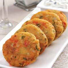 Christmas saplings of canapés – Dinner Recipes Veggie Recipes, Vegetarian Recipes, Cooking Recipes, Healthy Recipes, Bon Ap, Chickpea Burger, Leelah, Deli Food, Easy Dinner Recipes