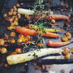 Bagte gulerødder med minitomater - Mit livs kogebog