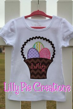 Monogrammed Easter Basket Applique T-shirt or Onesie (choose your. You are in the right place abou Easter Pillows, Embroidery Monogram, Embroidery Stitches, Easter Crafts For Kids, Easter Stuff, Easter Gift Baskets, Crochet Patterns For Beginners, Craft Stick Crafts, Crochet Baby