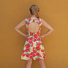 Floral Dress 50s Style with Back Cutout and Bell by lauraplenzik, $40.20  #back #cutout #floral #dress