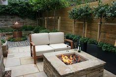 Urban Courtyard for Entertaining: modern Garden by Inspired Garden Design