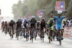 Andrea Guardini remporte la 1ère étape du Tour d'Abu Dhabi - © RCS   Toute reproduction, même partielle, sans autorisation, est strictement interdite. Tour de Langawki # 1. Comme il en a pris l'habitude depuis le début de sa carrière en 2011, Andrea Guardini...
