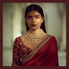 Statement Jadau Necklace  #Sabyasachi #SabyasachiJewelry #Bridalwear #DiamondJewellery #JadauJewellery #GoldJewellery #BridalJewellery #IndianDesigner #IndianCouture2017 #TheWorldOfSabyasachi  Location Courtesy: Rambagh Palace @rambaghpalace
