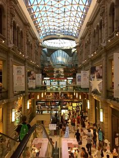 Shop till you Drop in Buenos Aires. Buenos Aires is the perfect place to live your dream as a shopaholic, as there are plenty of shopping malls to visit.