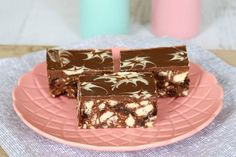 The easiest no-bake melt and mix chocolate hedgehog slice! 10 minutes prep time and 6 basic ingredients... quick, easy and delicious!