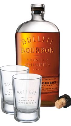 True to an original recipe passed down through five generations, this unique bourbon uses only the heart of the distillate to achieve a consistently excellent nose and taste. The cork-topped bottle draws its design from glass containers produced in Pennsylvania and Ohio in the mid 1800's and reflects Bulleit's frontier whiskey heritage.<br><br> Get two weighty Bulleit-embossed glasses in this gift set. Perfect for enjoying a BLT– Bulleit, lemon and tonic – with a friend.