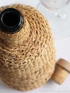 Bottle raffia packaging crocheting Deco, Twine, Jute, Crocheting, Packaging, Bottle, Creative, Fabric, Projects