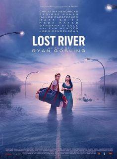 """L'histoire :Dans une ville qui se meurt, Billy, mère célibataire de deux enfants, est entraînée peu à peu dans les bas-fonds d'un monde sombre et macabre, pendant que Bones, son fils aîné, découvre une route secrète menant à une cité engloutie. Billy et son fils devront aller jusqu'au bout pour que leur famille s'en sorte.Tout sur """"Lost River"""""""