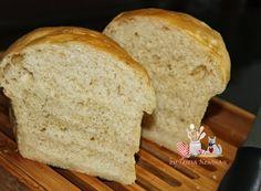 Mais uma receita de pão aprovadíssima! Pão de Creme de Leite Está foi da cozinha de minha amiga Marita do Blogavental engomado. Fiz todo PAP na maquina,mas quem não tiver faz manualmente,coloquei na forma de pão por ser mais pratico e polvilhei com queijo parmesão ralado em casa, ficou uma delicia, uma maciez. amei o … … Continuar lendo →