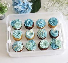#cake #cakeshop #cakes #cakejakarta #cupcakes #cupcakejakarta #cafejakarta #lulukaylacupcake #kuejakarta #kueultah #kue #birthdaycake #JKTINFOOD #JKTFOODIES #buttercreamcake #customcake #customcakejakarta #flowercake #cupcakesjakarta #bridalshower