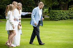 Fotosessie koninklijk gezin zomer 2020 - Blauw Bloed Dutch Princess, Dutch Royalty, Queen Maxima, Royal House, Netherlands, Royals, Royal Families, Princesses, Picture Ideas