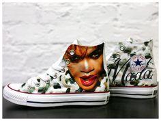 Rihanna Chuck's !