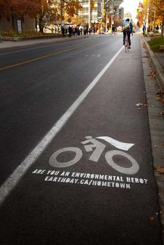 Media placement was the key to the success of these ads. We wanted to engage our target by creating out-of-the-ordinary changes to places where environmentalists are often found. We ultimately decided that bike lanes would be the ideal spot, and so we made the bicycle symbols in bike lanes into mini guerilla advertisements. By using washable, eco-friendly paint to draw a cape onto the bike lane people and attaching a call to action, environmentalists were engaged in an unexpected way…
