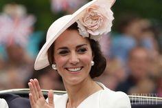 Neviete, ako zhodiť pred letom, či po pôrode? Vyskúšajte tipy vojvodkyne Kate Middleton. Pozrite sa na jej kráľovský jedálniček...